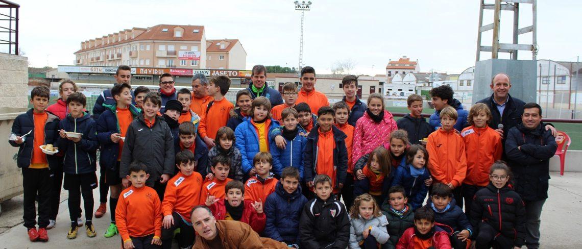 Clausurado el VI Campus de Fútbol de Navidad de la Peña Real Madrid  Mazacotero 698d6624de232